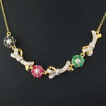 سینه ریز چند جواهر یاقوت و زمرد زنانه مانی ایتالیایی مدل شکوفه _کد:12102
