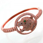 دستبند نقره زنانه جگوار چشم زمردین