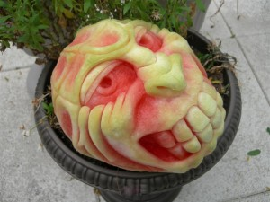 monster-grin-pumpkin-carvings