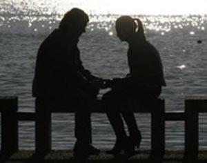 حس خوبیست در آغوش خودت پیر شوم ...