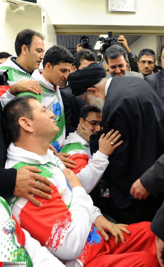 انگشتر رهبر انقلاب و قوی ترین مردان دنیا